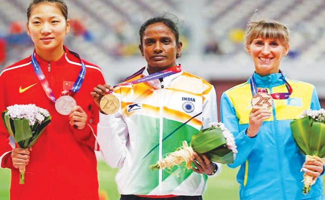 Gomathi Win Gold Medal in Asian Athletic Sports - Sakshi