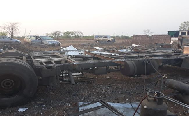 Stolen TSRTC Bus Found In Nanded - Sakshi