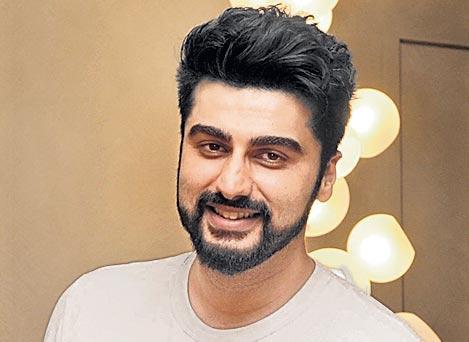 Arjun Kapoor breaks his silence on the wedding rumours with Malaika arora - Sakshi