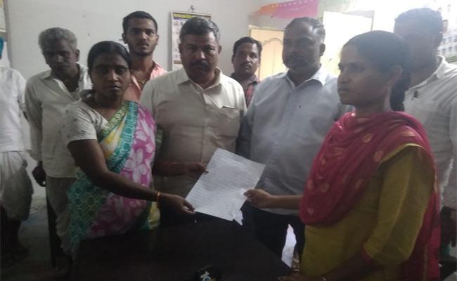 MRO Harassment On VRA In Nizamabad - Sakshi