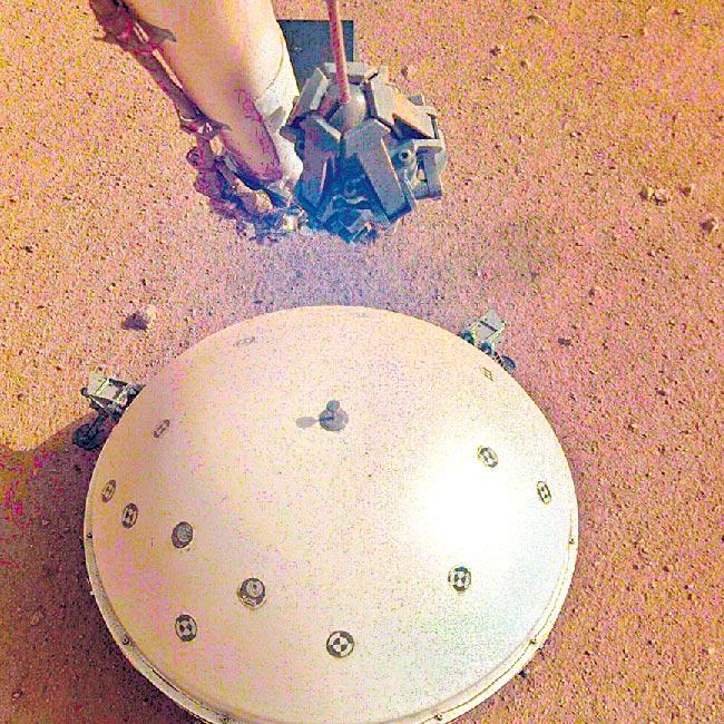 NASA'S INSIGHT LANDER CATCHES EVIDENCE OF FIRST EVER QUAKE ON MARS - Sakshi