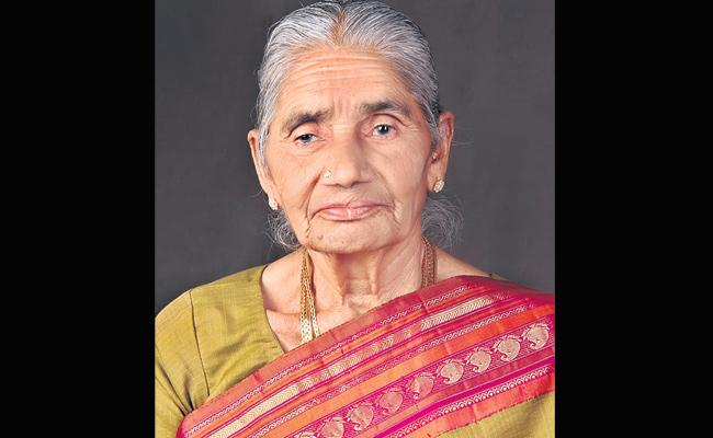 BJP leader Kishan Reddy mother passes away - Sakshi