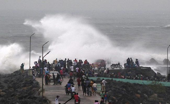 Phani Cyclone Strongly Formed In Bay Of Bengal - Sakshi