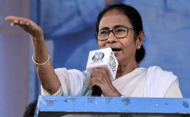 Mamata Banerjees Rosogulla Threat  For PM Modi - Sakshi