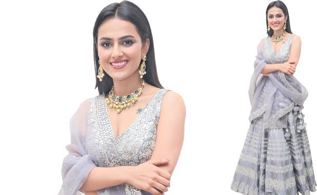 Funday special chit chat with heroine shraddha srinath - Sakshi