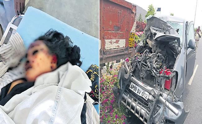 Hero Sudhakar Komakula Car Accident in Mangalagiri - Sakshi