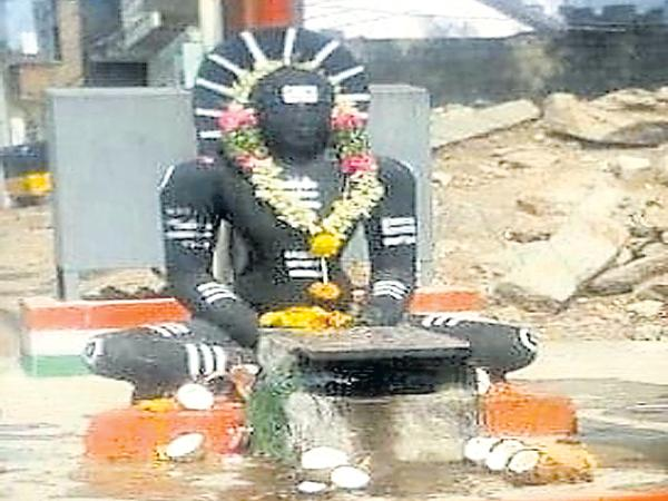 Oldest Jain idol was been stolen - Sakshi