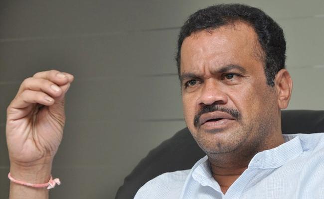 Congress Leader Komatireddy Venkat Reddy Fires On KCR Over Bommalaramaram Case - Sakshi
