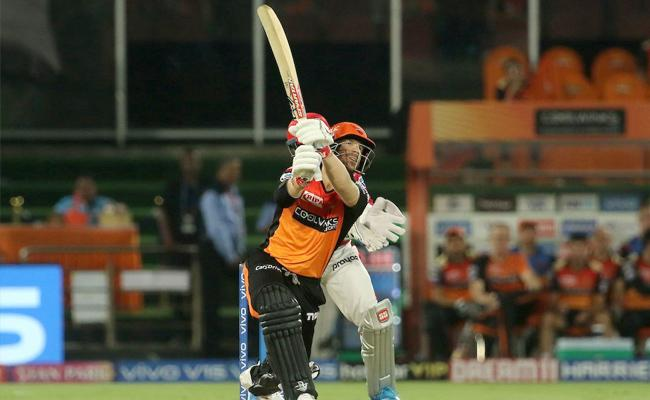 SRH Set Target of 213 Runs Against Kings Punjab - Sakshi