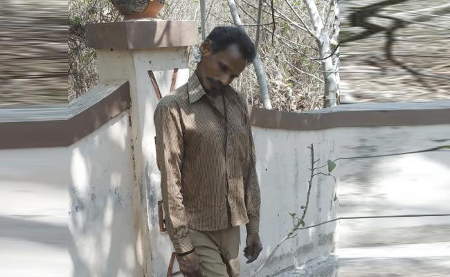 Lorry Driver Commits Suicide in Visakhapatnam - Sakshi