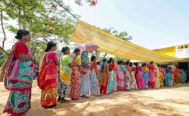 Record Women Voters Turnout - Sakshi