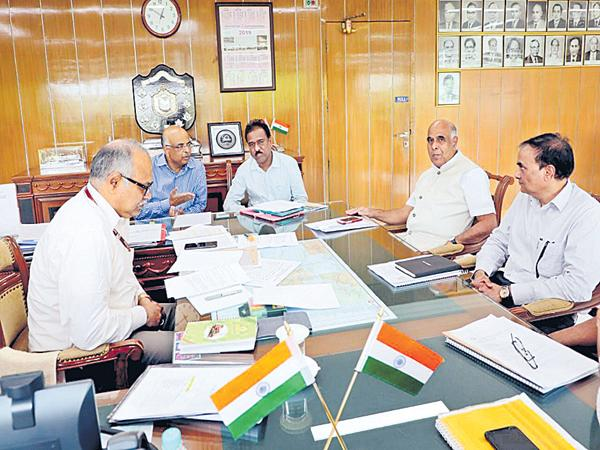 Genco CMD meeting with the South Central Railway GM - Sakshi
