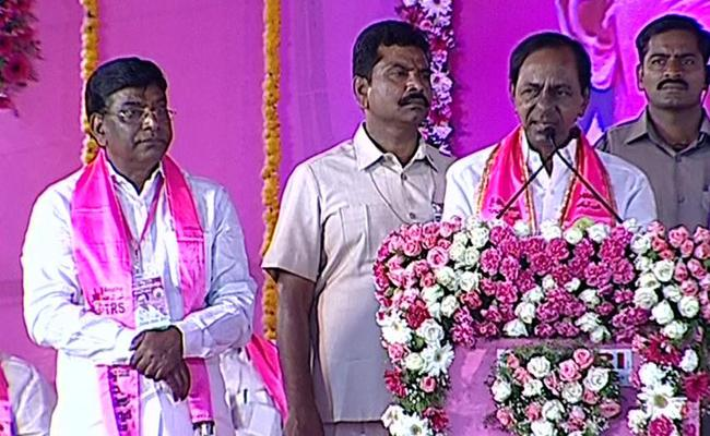 KCR AT Kamma Mahabubabad Parliament Election Campaign - Sakshi