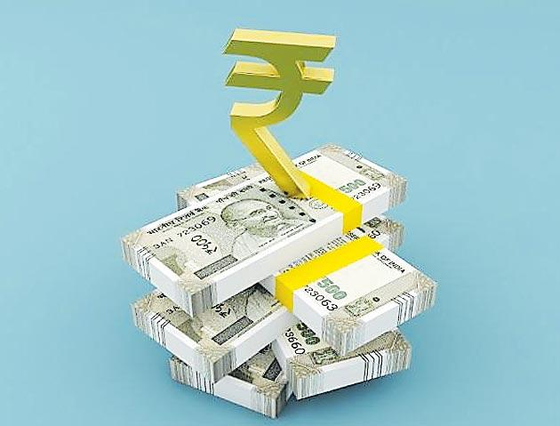 Rupee rises for 3rd day, spurts 33 paise to 68.41 - Sakshi