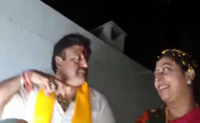 Balakrishna fires on fans in Hindupuram - Sakshi