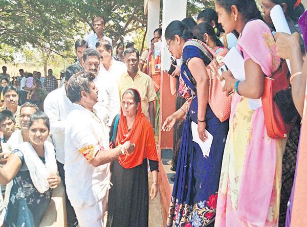 Balakrishna Tongue Slip Again In Election Campaign - Sakshi