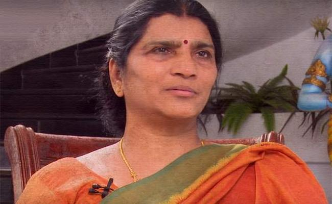 YSRCP Leader Lakshmi Parvathi Slams On Chandrababu Naidu - Sakshi