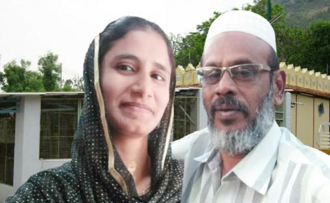 Boyfriend Killed Lover in Selam Tamil Nadu - Sakshi