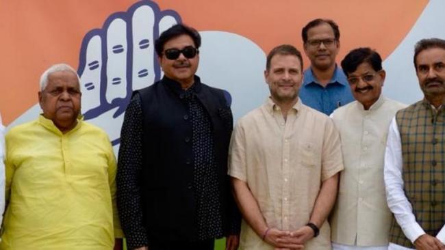 Shatrughan Sinha Joins Congress - Sakshi