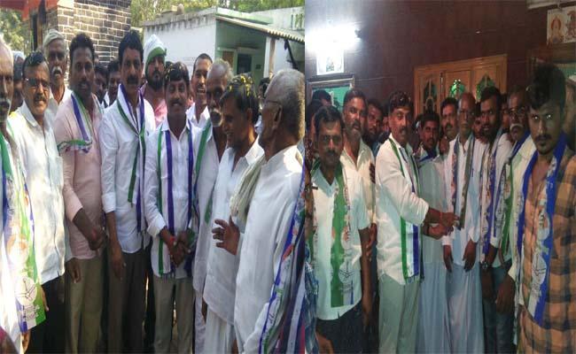 TDP activists, yasrcp in the presence of Kamalapuram MLA Rabindranath Reddy - Sakshi