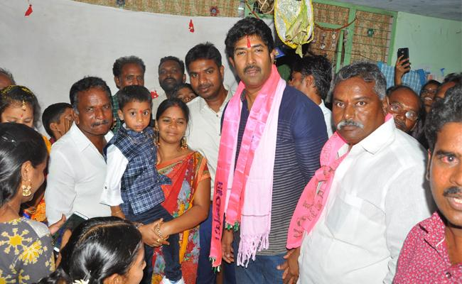 Hero Venu Election Campaign In Khammam - Sakshi