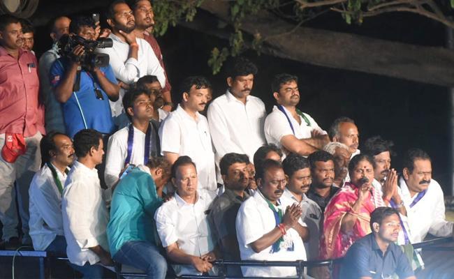 YS Vijayamma Speech At Naidupeta Public Meeting - Sakshi