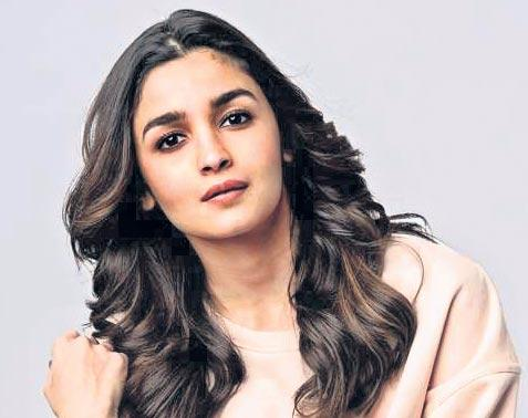 Alia Bhatt on learning Telugu for SS Rajamouli's RRR - Sakshi