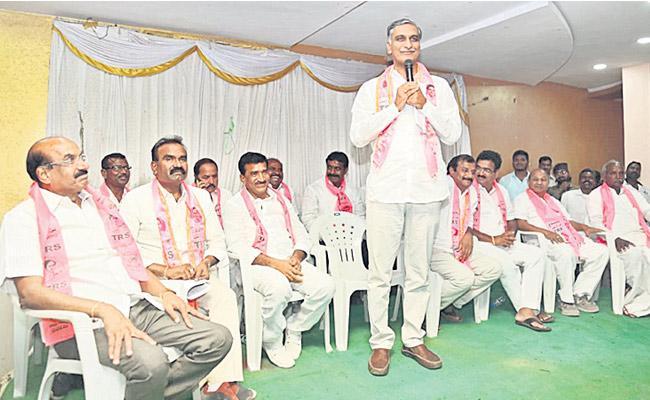 Prabhakar Reddy should have the Highest Majority Says Harish Rao - Sakshi