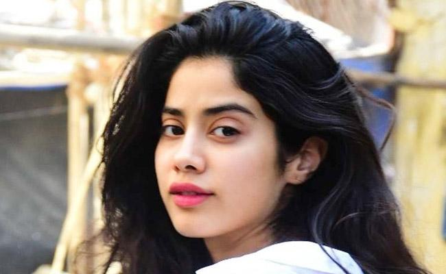Janhvi Kapoor Hilarious Response To Trolls On Repeating Outfit - Sakshi