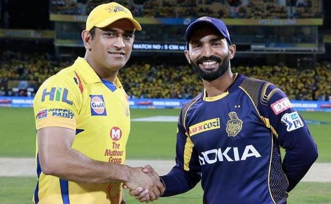 CSK Won The Toss And Elected to Field First - Sakshi