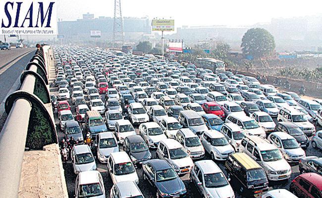 Passenger vehicle sales hit speed breaker in 2018-19, grow just 2.7% - Sakshi