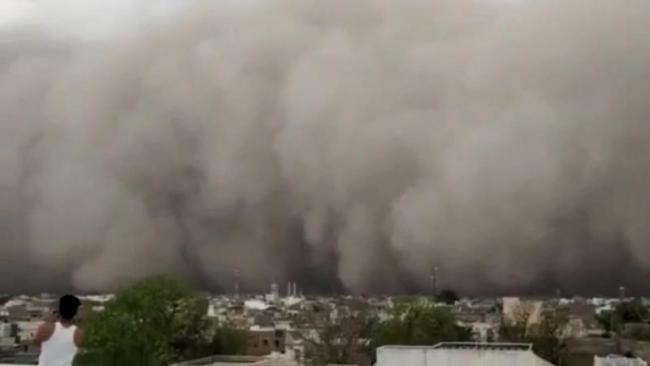 Scary Video Captures Massive Dust Storm In Rajasthan - Sakshi