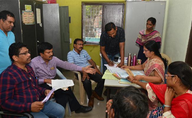 ACB Raids On DCB Office Khammam - Sakshi