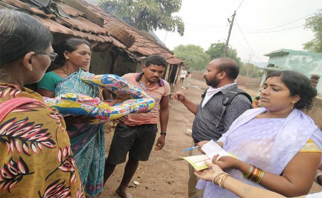 Pregnant Women Died in Vizianagaram - Sakshi