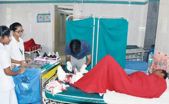 Woman Gang Raped by Four Unidentified Men in mysore - Sakshi