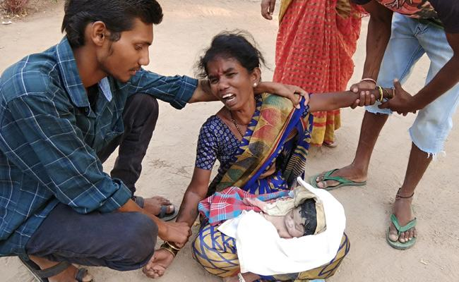 Doctors Negligence Baby Died In Nizamabad Hospital - Sakshi