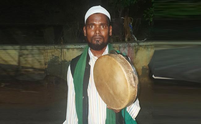 Fakeer Service in Ramadan Month - Sakshi