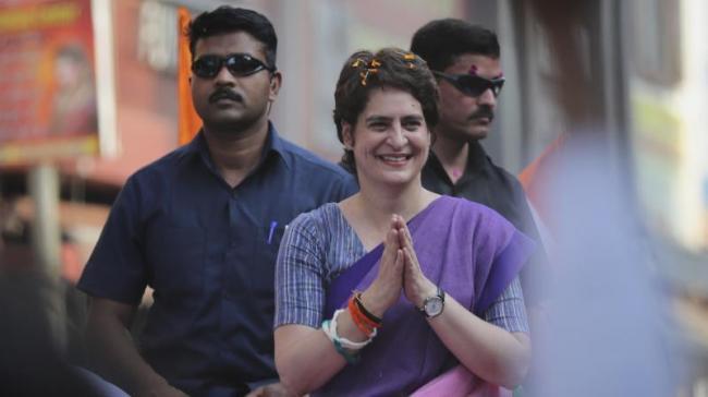 Priyanka Gandhi Helps Child with Tumor in Allahabad - Sakshi