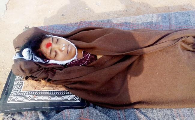 Sri Chaitanya Teacher Died in Kurnool - Sakshi