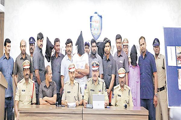 Five accused arrested in murder case  - Sakshi