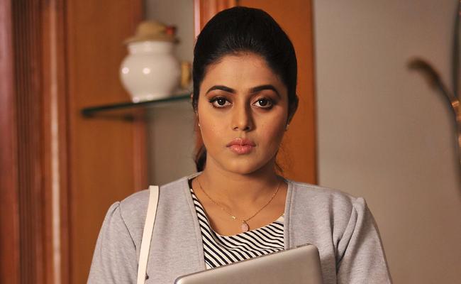 Actress Poorna Says MeToo is An Act of Self Shaming - Sakshi