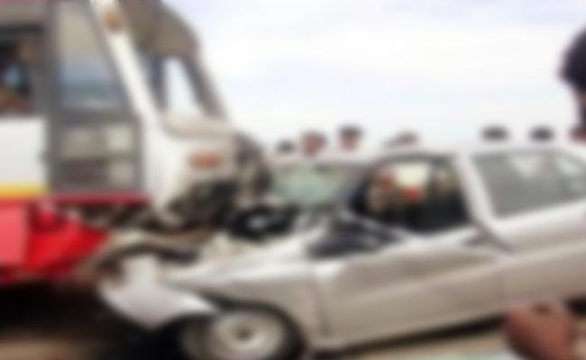 Two Died In Road Accident At Vinukonda In Guntur - Sakshi
