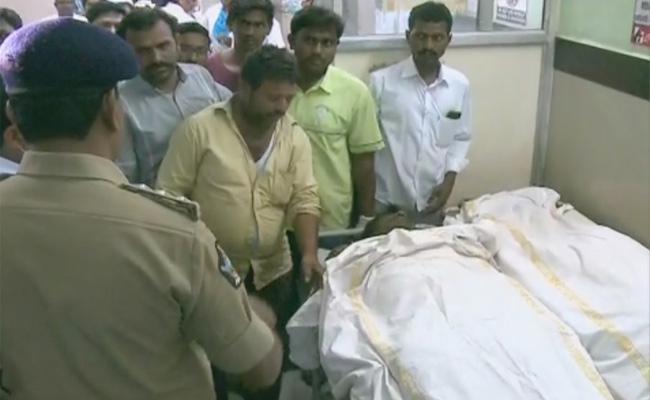 Telangana Govt Arranges Mass Funeral For Veldurthi Victims - Sakshi