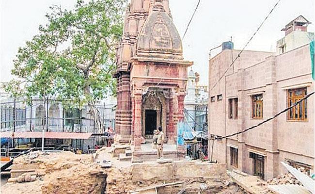 Shekhar Gupta Article On Varanasi - Sakshi