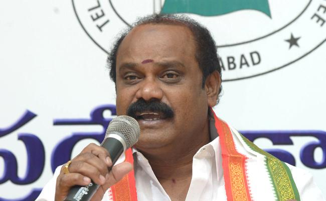 Congress suspends TPCC official spoke person Nagesh Mudiraj - Sakshi