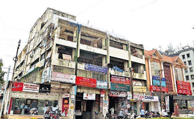 GHMC Delayed on Anasuya Complex Demolition - Sakshi
