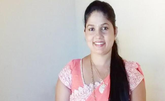 Woman Body Chopped Into Pieces in Karnataka - Sakshi