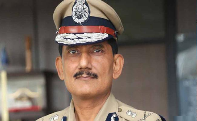 Police Dog also work as a soldier says DGP Takur - Sakshi