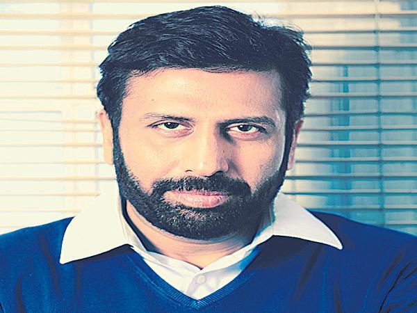 Ravi Prakash in absconding - Sakshi