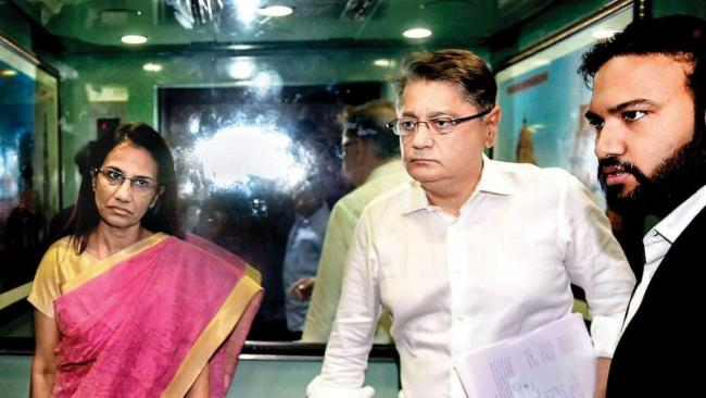 ICICI-Videocon case Chanda Kochhar And Her Hyusband Appear before ED - Sakshi